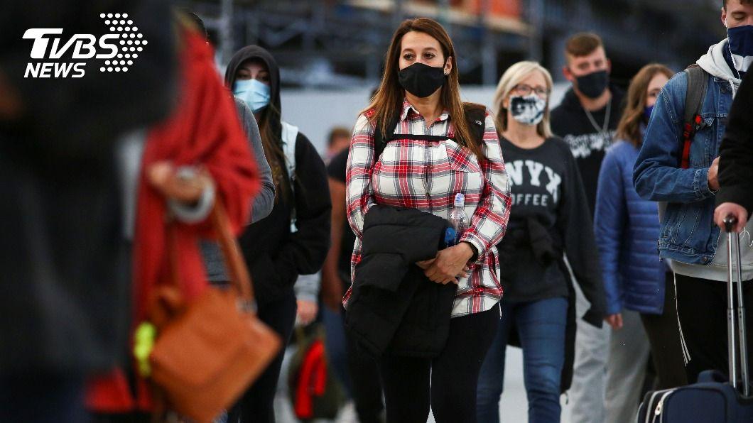 (圖/達志影像路透社) 美單週新增病例下降25% 疫情爆發來最大降幅
