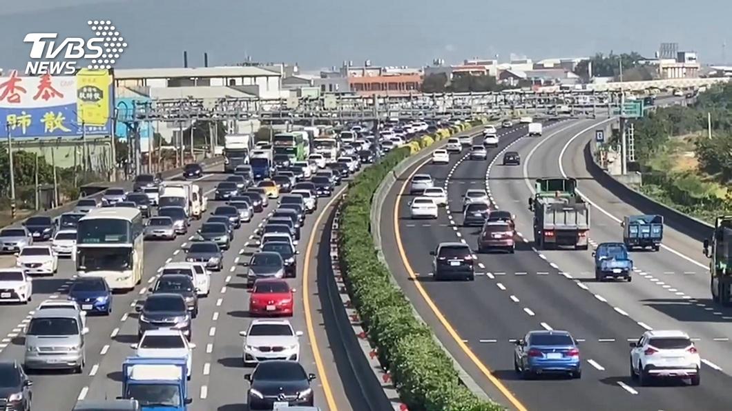 國道估明湧現車潮 連假「壅塞路段、時段」曝