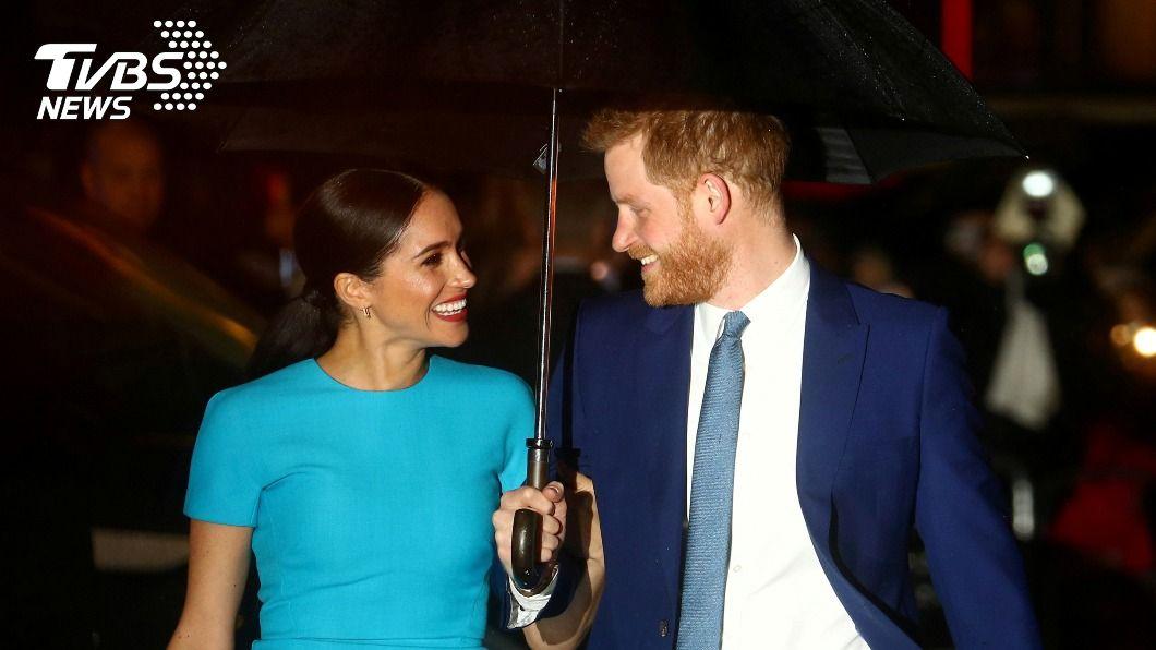英國哈利王子(右)與妻子梅根馬克爾(左)喜懷第2胎。(圖/達志影像路透社) 哈利王子夫婦宣布喜懷2胎 性別還未公布