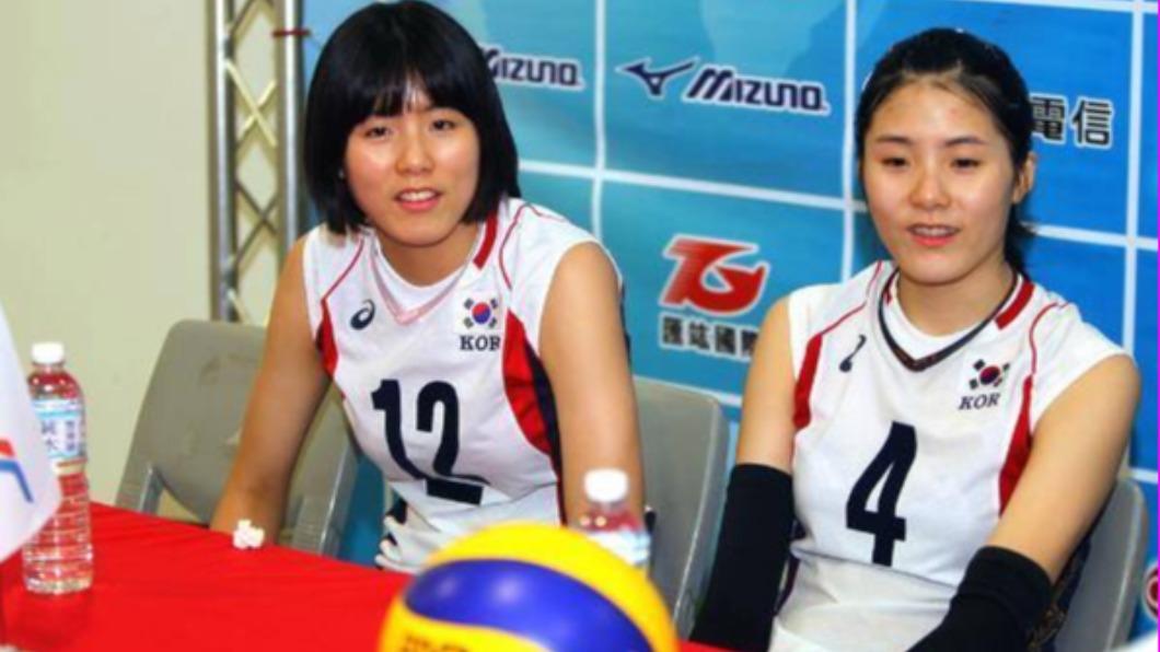 李在英(左)、李多英(右)日前傳出國中時曾霸稜同學。(圖/翻攝自「排球滿屋」臉書)  韓國女排姊妹花國中霸凌同學 永久失去國家代表資格