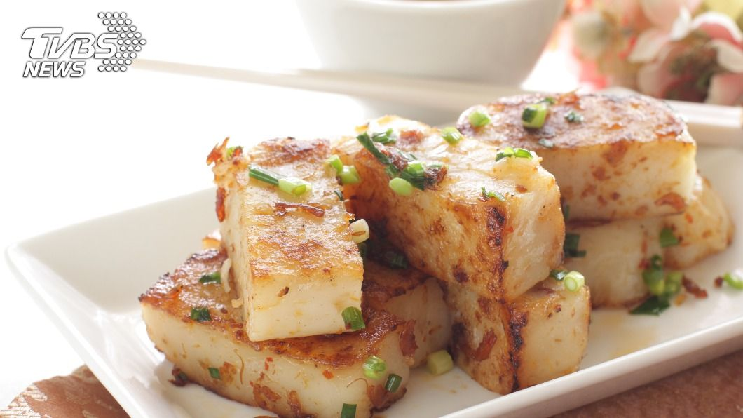蘿蔔糕是家家戶戶必備年菜之一。(示意圖/shutterstock達志影像) 最可怕年菜之一?女怨蘿蔔糕「冰箱裡狂生」:呷不完
