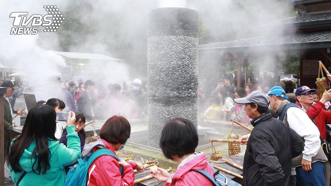 宜蘭縣清水地熱公園為台灣著名的景點之一。(示意圖/shutterstock達志影像) 赴清水地熱 驚見「老鼠籠」裝食材險吐:沒錢租竹簍?