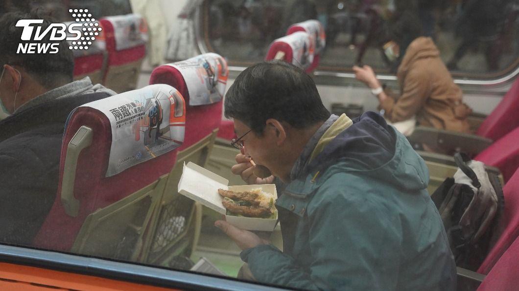 (圖/中央社資料照) 雙鐵飲食、自由座是否鬆綁? 陳時中:下週公布
