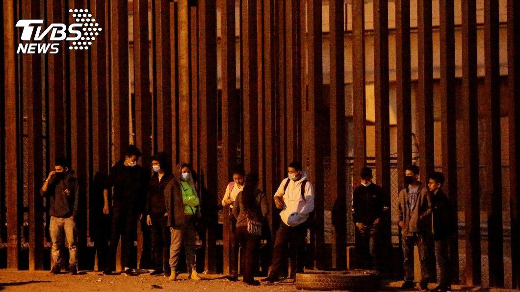 (圖/達志影像路透社) 民主黨公布移民改革案 在美1100萬人可望成公民