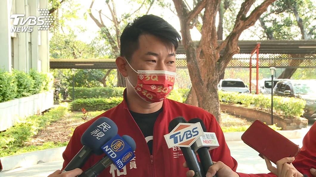 陳柏惟日前受訪時,一席「不正常」言論引發爭議。(圖/TVBS) 陳柏惟酸刪Q總部弱勢、不正常 挨轟:鄙視台中市民