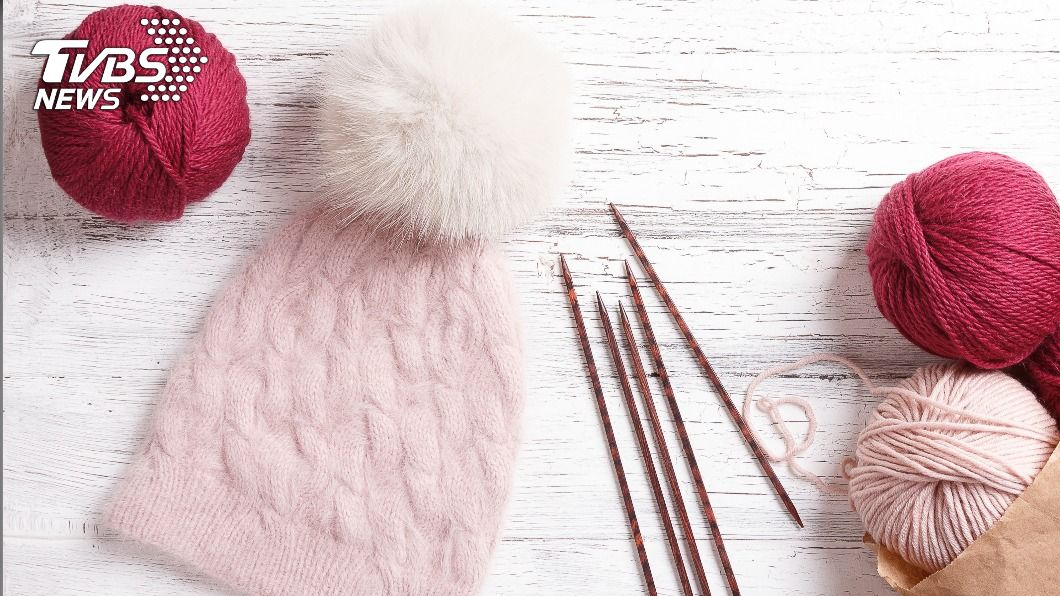 毛帽上的毛球其實別有一番用途。(示意圖/shutterstock 達志影像) 毛帽頂端為何有「毛球」? 專家曝真實用途:非賣萌
