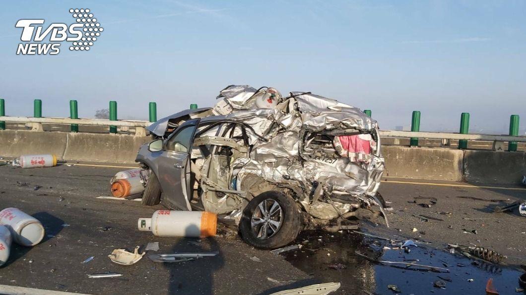 西濱20車連環撞 2死、10餘人傷