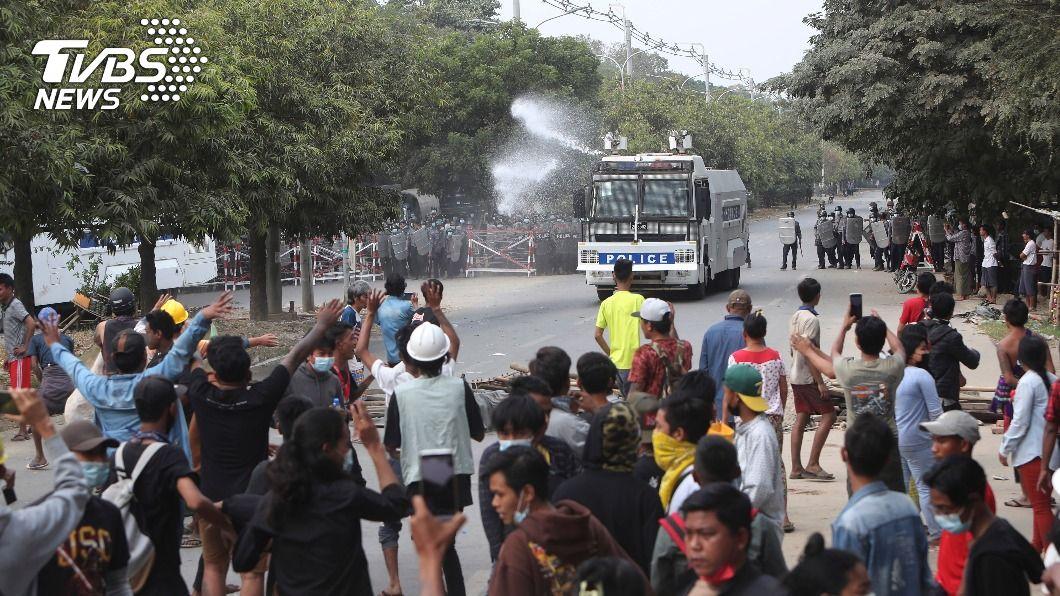 緬甸最血腥日 警實彈掃射鎮壓2死逾30傷