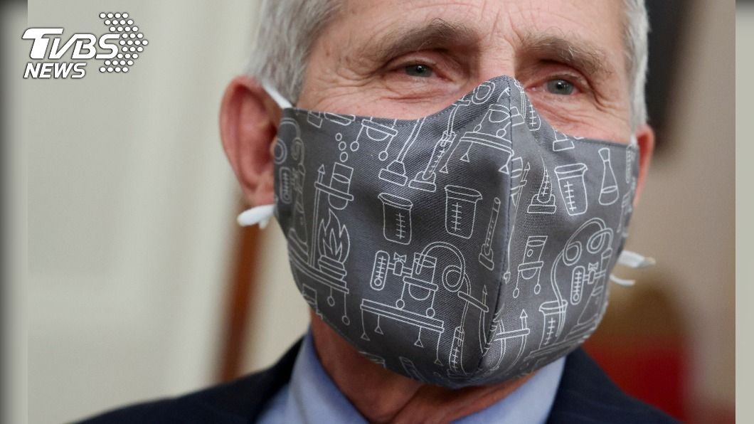 美染疫死亡近50萬人 佛奇:2022年恐仍要戴口罩