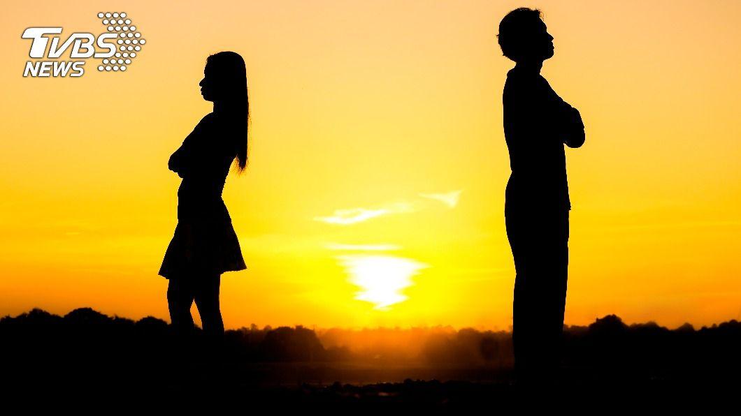 當妳發現跟他當朋友更快樂,代表2人已回不去。(示意圖/shutterstock達志影像) 回不去了!當朋友更快樂 11個姐妹該知的分手跡象