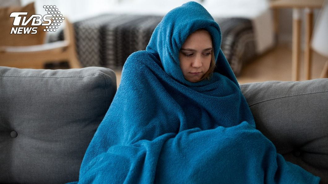 日本學者研究發現,體溫下降1℃,免疫力就減少3成。(示意圖/shutterstock達志影像) 體溫降1度免疫力少3成 中醫曝養生祕訣強化體質