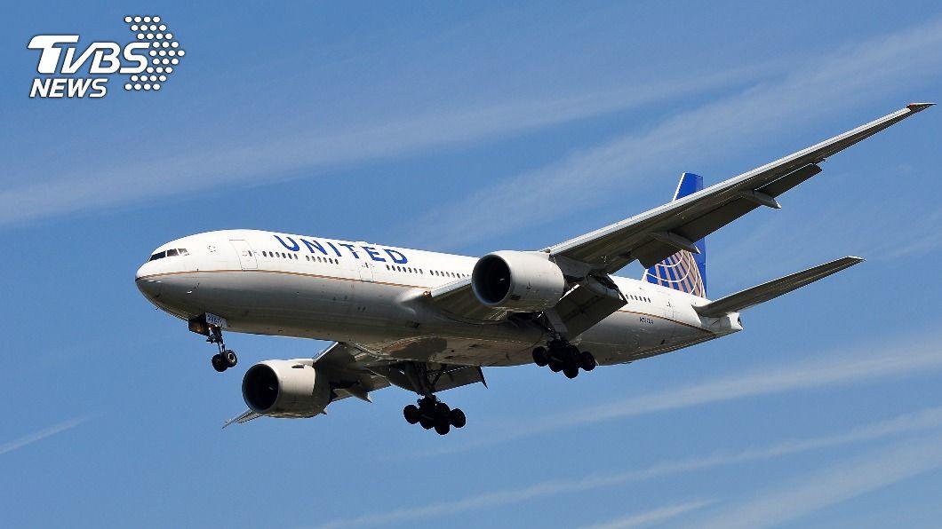 圖為美國聯航波音777客機同型機。(示意圖/shutterstock 達志影像) 美聯航空中驚魂案 日本政府下令同引擎32機停飛
