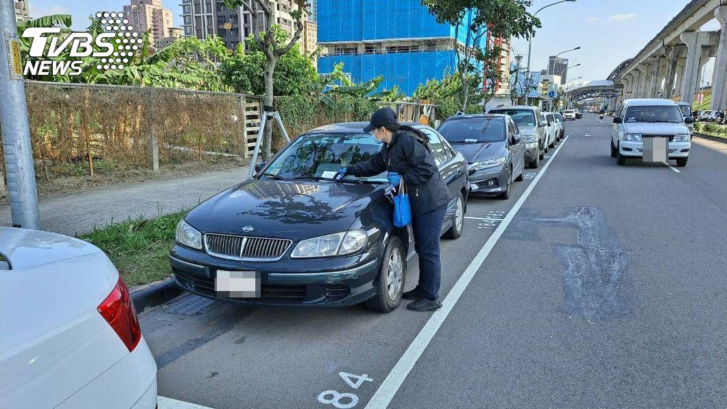 新北615格公有汽車停車位將納入收費。(圖/中央社) 解決汽車格位久停占用 新北9路段3/2起收費