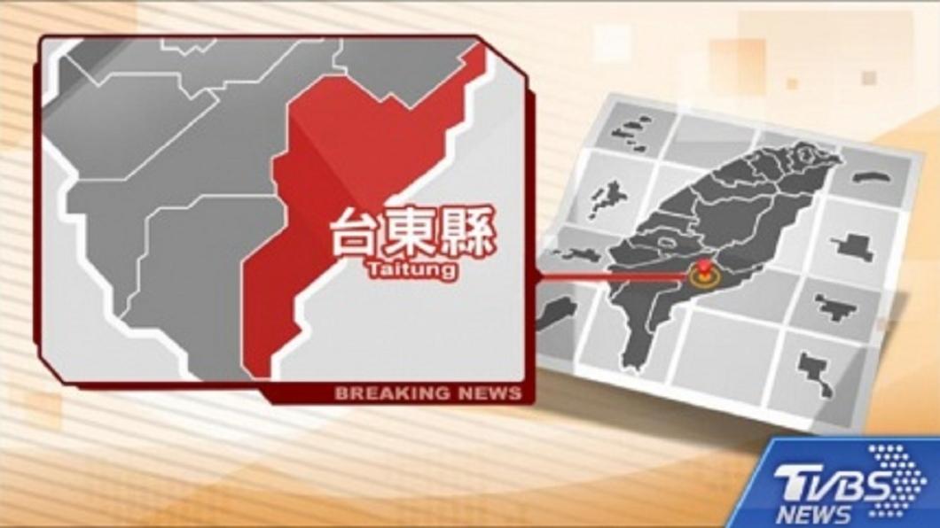 圖/TVBS 快訊/台東市民宅竄火 濃煙密布民眾驚慌逃出