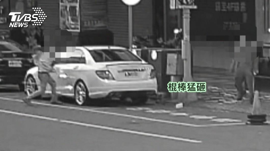 圖/TVBS 砸車洩憤!好友敬酒撕破臉 持棒輪番猛K