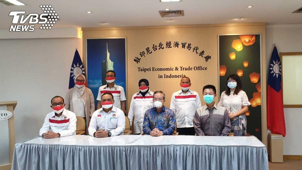 印尼官員拜會台灣駐印尼代表處。(圖/中央社) 協商移工凍結爭議 印尼官員拜會台灣駐處