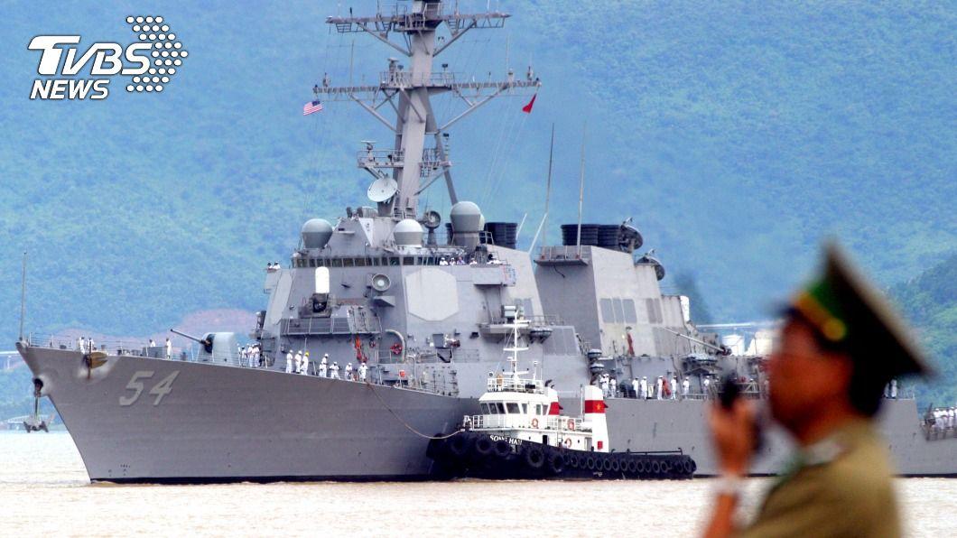 美驅逐艦再度駛過台灣海峽。(圖/達志影像路透社) 拜登上任以來第2次 美軍艦再度駛過台灣海峽