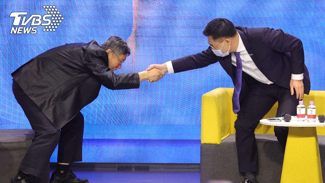 柯文哲昨(24)日出席國民黨舉辦的「願景台灣2030」論壇。(圖/中央社) 江啟臣密邀同台引藍怒火 柯文哲痛批:國家只剩顏色