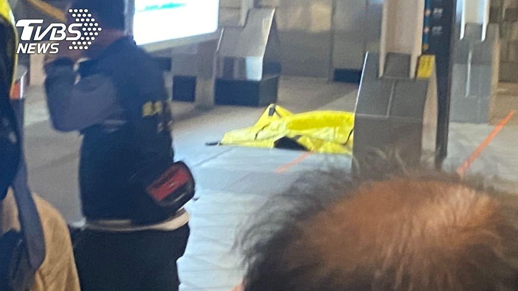 圖/TVBS 高鐵左營站傳爆裂物虛驚一場 警方封鎖月台逮人拆彈