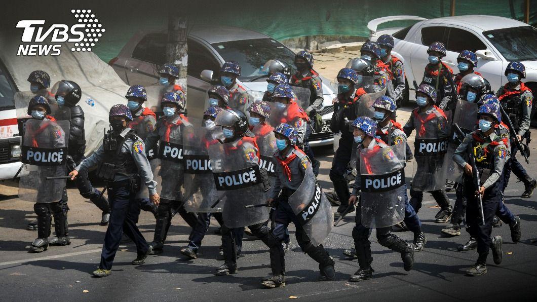 緬甸警方展開3週以來的最大規模鎮壓。(圖/達志影像路透社) 緬甸警方展開最大規模鎮壓 逮捕逾470名示威抗議者