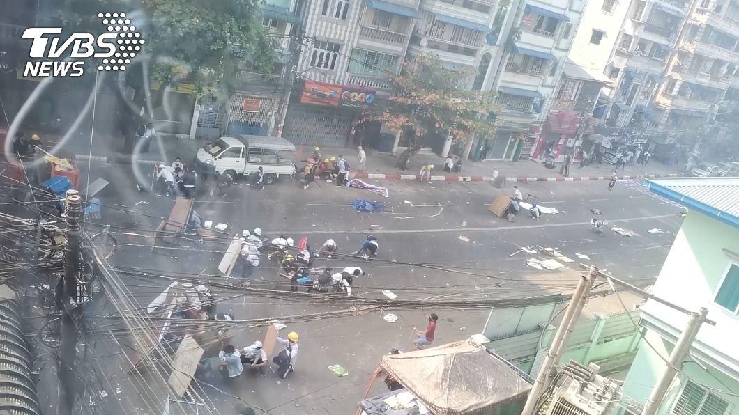 緬甸示威最血腥一日 軍警開槍鎮壓至少18死30傷