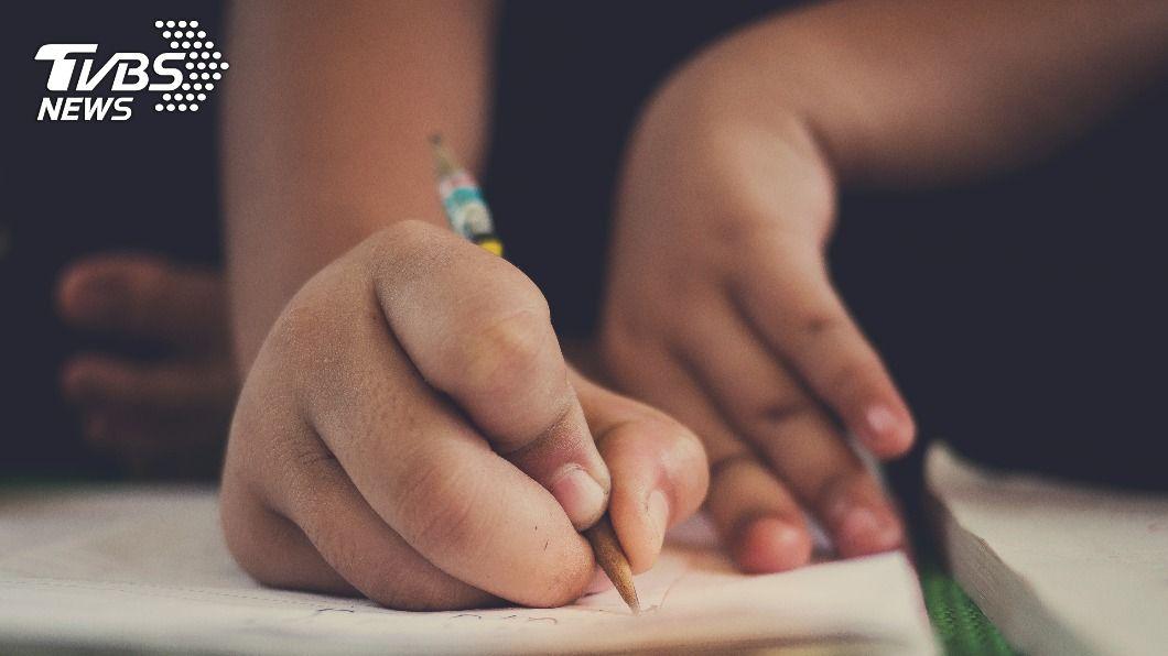 許多人小時候會學習不同才藝增加競爭力。(示意圖/shutterstock達志影像) 童年學何項才藝? 過來人曝「最廢技能」:完全沒用