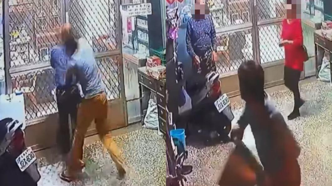 陌生客人因不明原因朝雜貨店老翁攻擊。(圖/翻攝自網友臉書) 不滿雜貨店炮竹太昂貴 壯男發狂暴打老翁還扔鐵桶砸