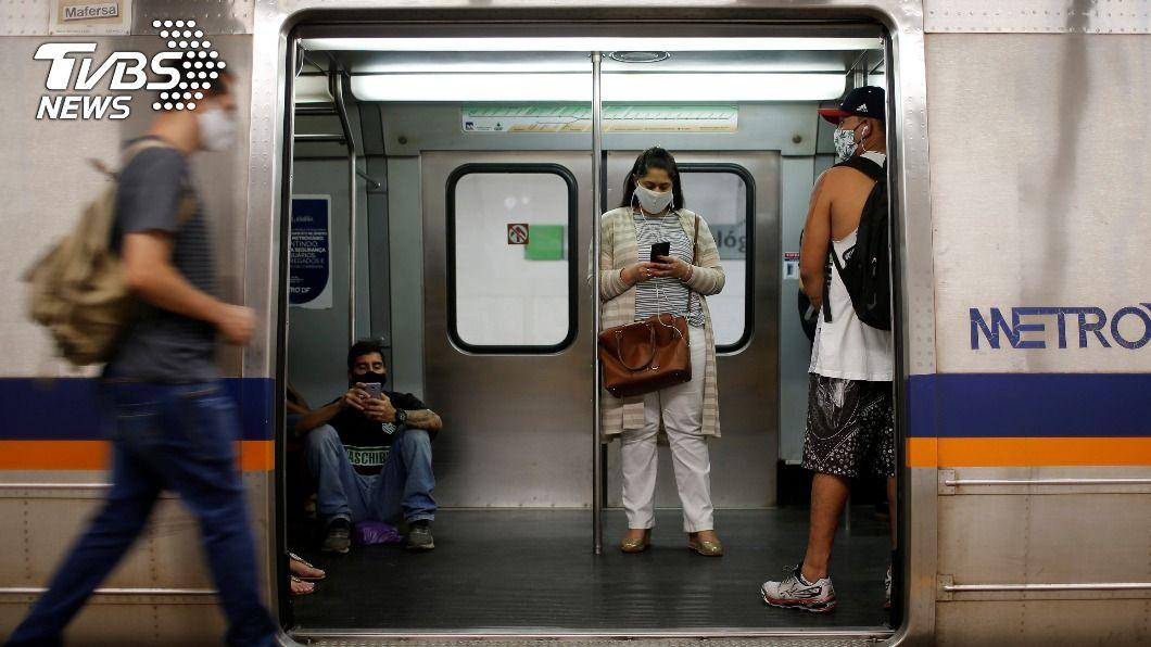巴西新冠肺炎疫情未歇。(圖/達志影像路透社) 巴西染疫病亡1641人創單日紀錄 確診面臨新高峰