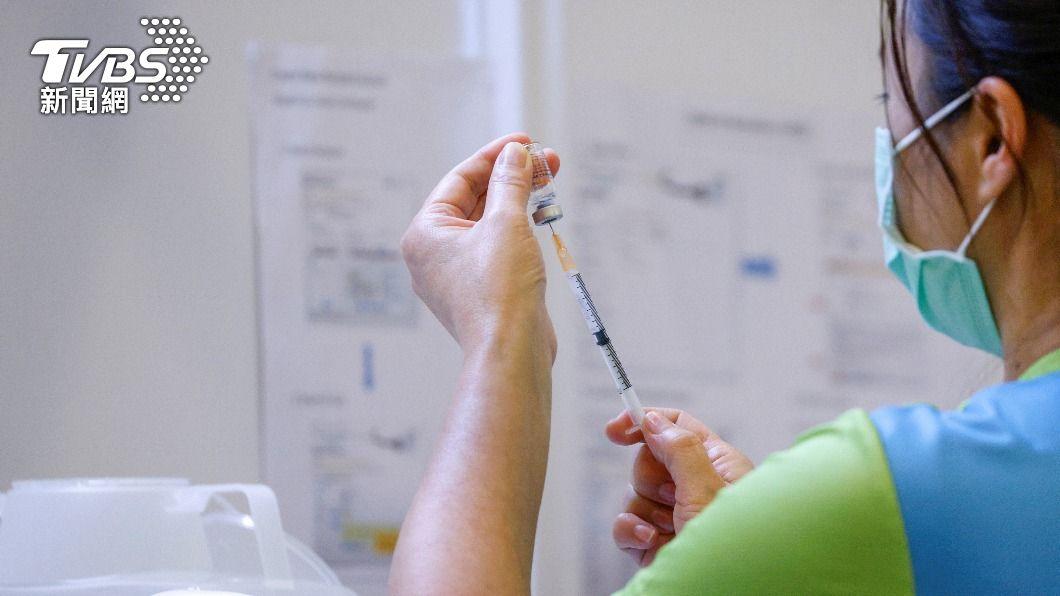 (圖/達志影像路透社) 香港63歲男接種科興疫苗後死亡 負面效應顯現