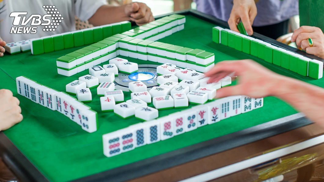 有許多民眾平日的嗜好是打麻將。(示意圖/shutterstock 達志影像) 買屋2年沒去住 陸男見新房淪「社區麻將室」傻了