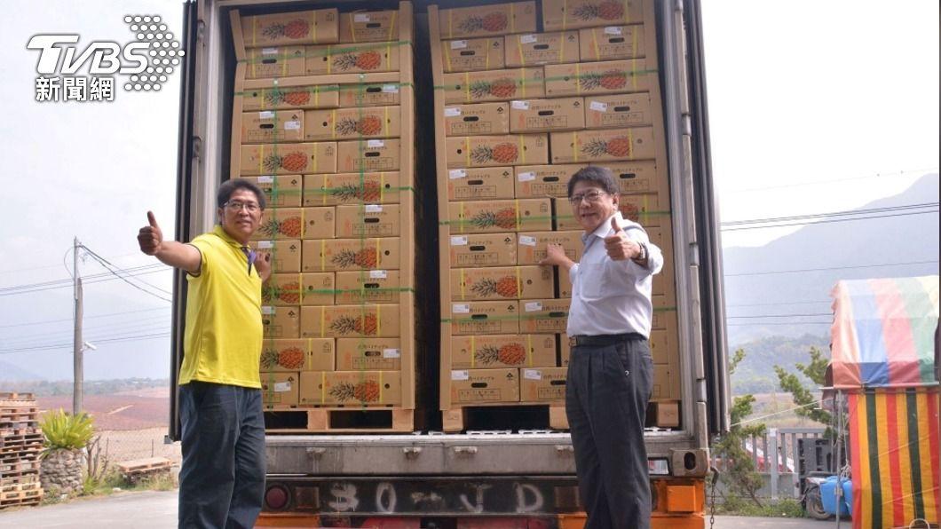 經農委會與屏東縣府努力下,鳳梨已經連續3天進口日本。(圖/中央社) 屏東鳳梨天天外銷 3貨櫃再銷日本香港