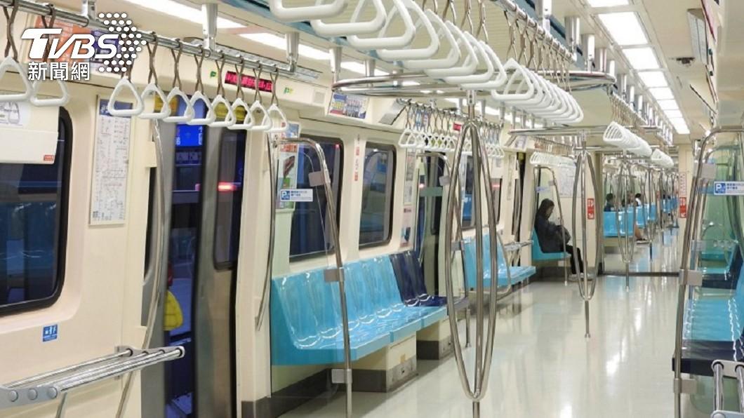 (示意圖/TVBS資料畫面) 國中弟搭捷運吐滿地 全車乘客1反應惹哭她:好溫暖