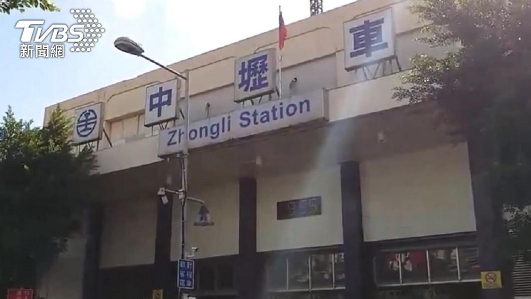 (圖/TVBS資料畫面) 祖孫攔計程車遭司機罵爛人 網曝亂象:中壢人都不搭