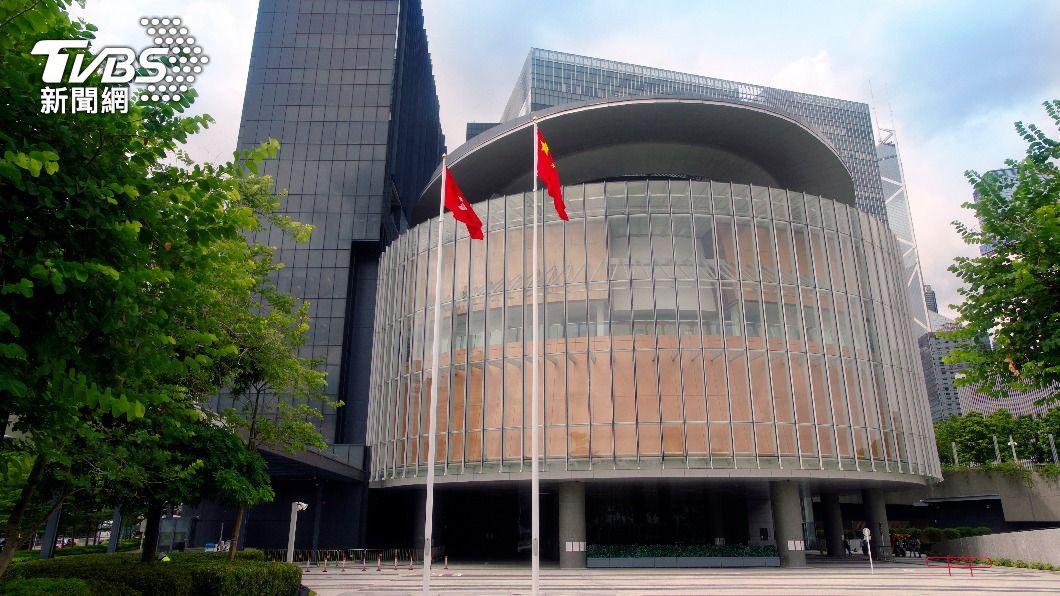 港府約2百名公務員拒簽效忠聲明。(示意圖/shutterstock 達志影像) 近200名香港公務員拒簽效忠聲明 官員:須離職