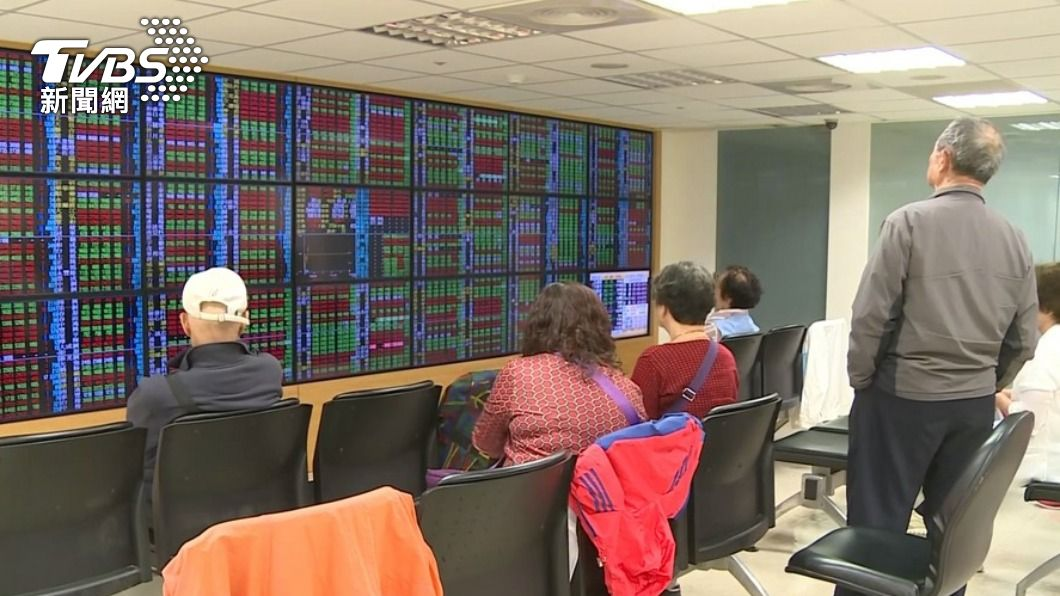 (圖/TVBS資料畫面) 美科技股重挫 台股高低震盪逾200點