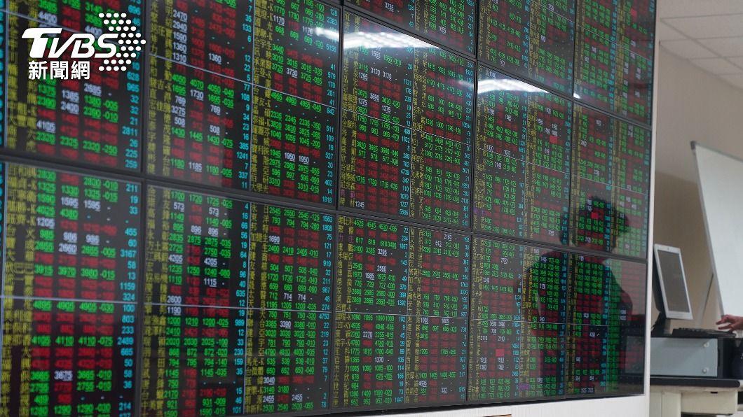 (圖/中央社資料照) 航運、電子股弱勢 台股盤中跌逾157點