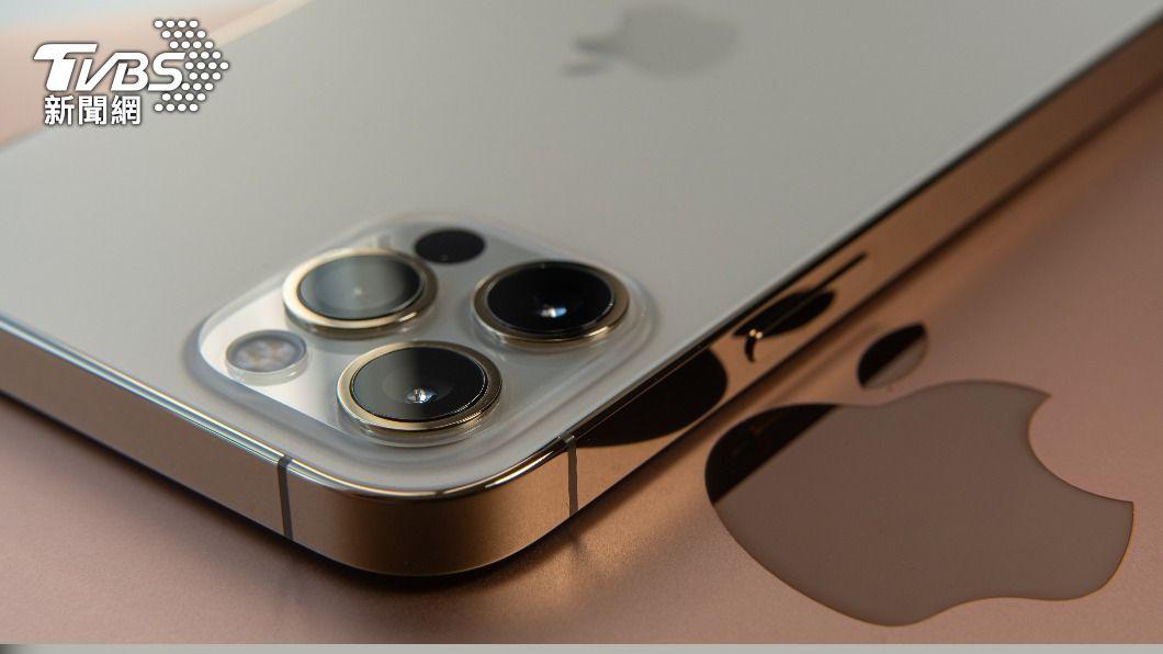 圖為iPhone 12 Pro。(示意圖/shutterstock 達志影像) 蘋果證實印度製造iPhone 12 鴻海扮關鍵角色