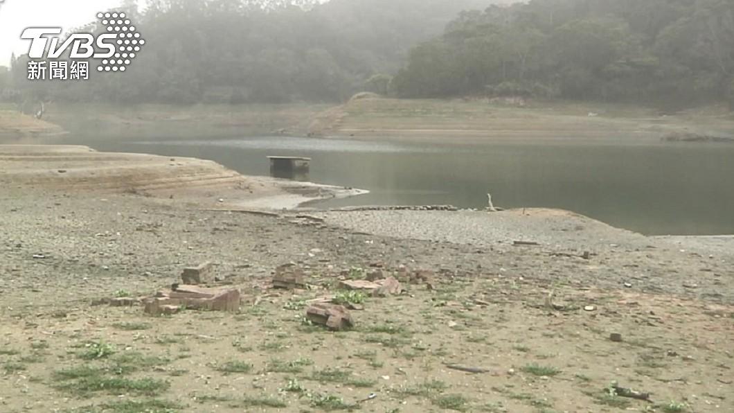 祖先昔日被迫遷到別地,村莊竟在水底存留至今。(圖/TVBS資料畫面) 整村莊消失!日月潭乾旱「祖先200年遺跡」竟詭譎現身
