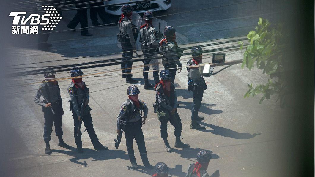 (圖/達志影像路透社) 緬甸鐵路工人罷工反政變 傳安全部隊突搜員工宿舍