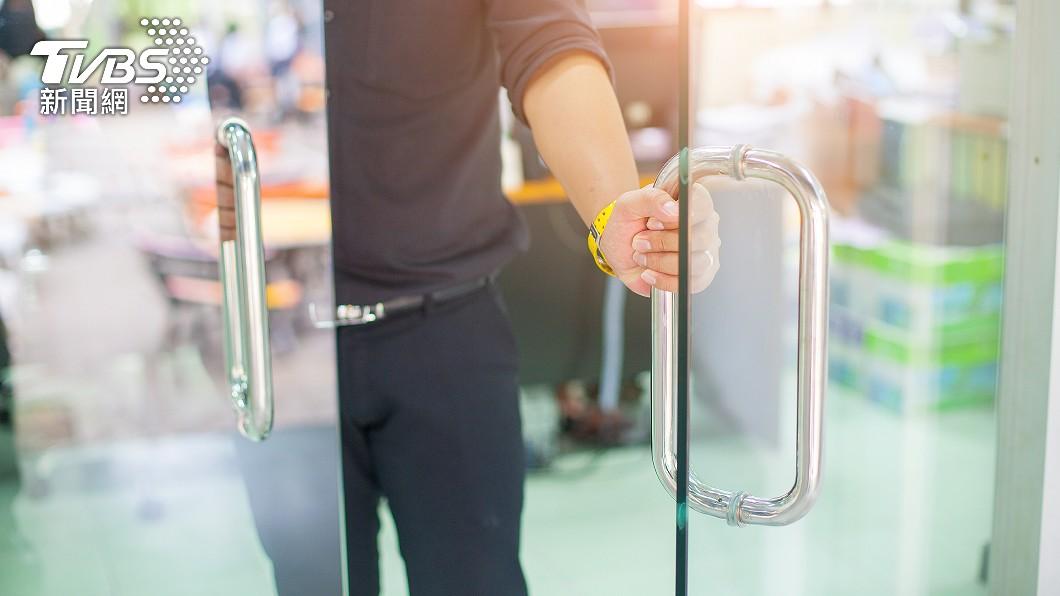 各行各業人士均有自己的強項。(示意圖/shutterstock達志影像) 玻璃太乾淨慘被主管念 千網見照片跪了:該加薪