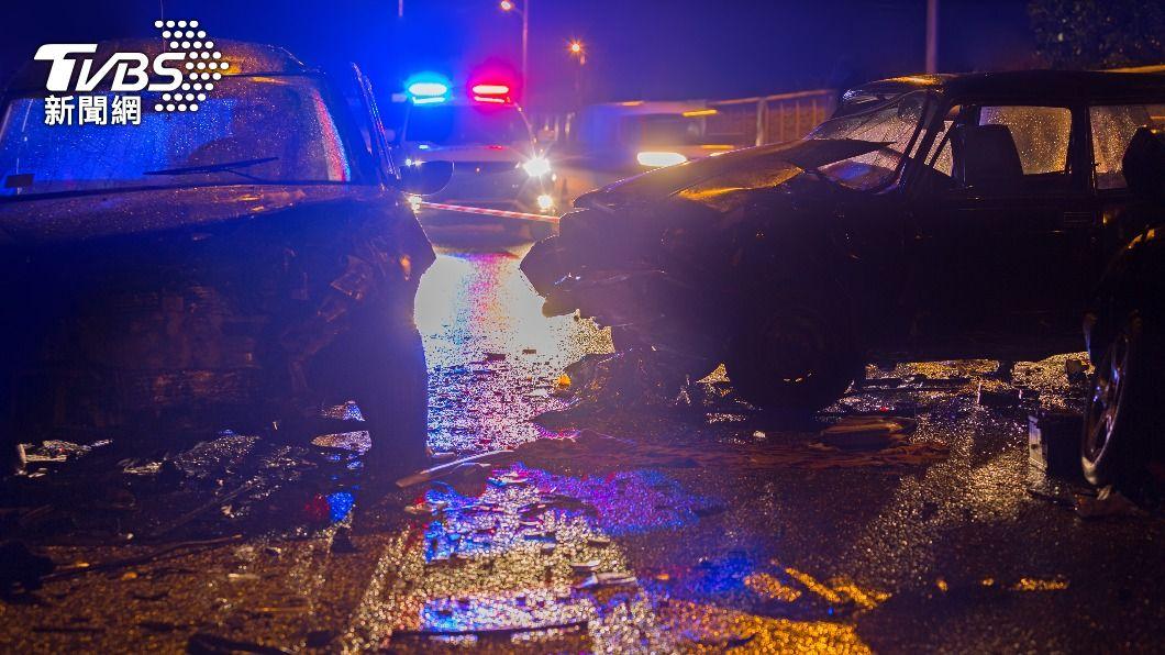 澳洲4名員警處理車禍卻不慎遭撞死。(示意圖/shutterstock 達志影像) 4警執勤命喪輪下 澳酒駕男見死不救歡呼「活該」
