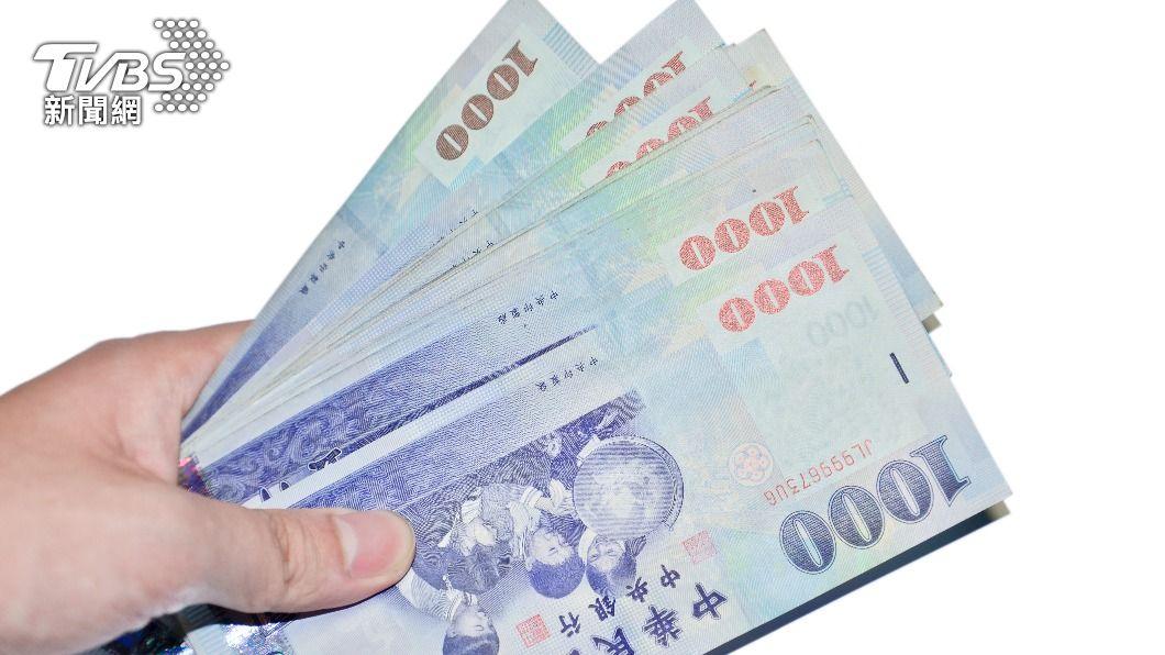台灣證券交易所公布,去年上市公司平均員工薪資費用。(示意圖/shutterstock 達志影像) 上市公司去年薪資排行 鴻準419萬居冠、台積電僅排18