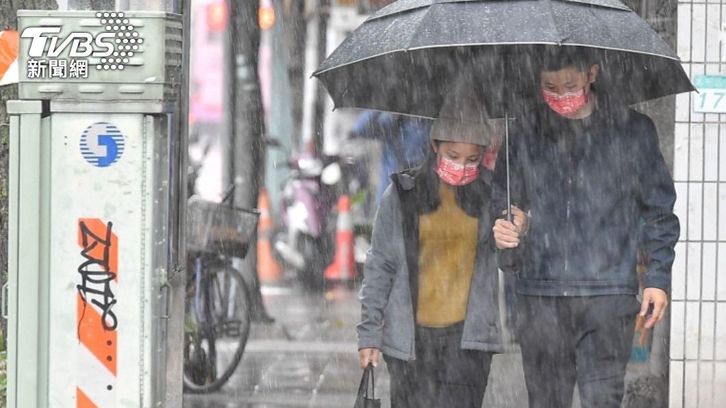 氣象局表示,今(12)日東北季風增強,氣溫下降。(圖/中央社資料照) 東北季風增強 北台灣氣溫稍降
