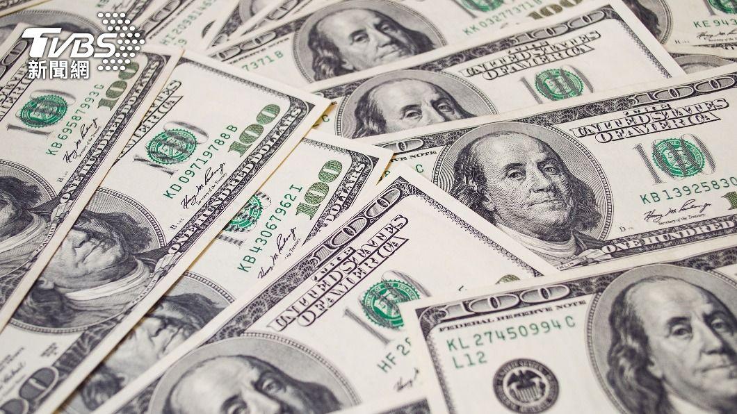 美國白宮指出,紓困金最快將於這周末進入民眾帳戶中。(示意圖/shutterstock達志影像) 拜登簽1.9兆美元紓困案 每人1400美元料週末入帳
