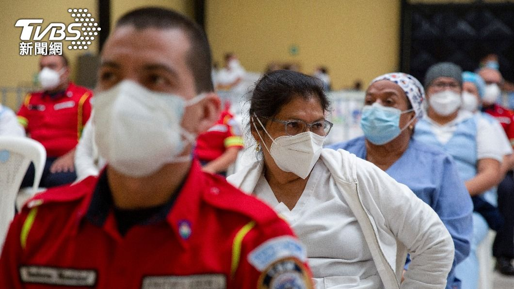 印度人民防疫意識低、管理者無做好把關工作,恐面臨第二波疫情。(圖/達志影像路透社) 多項統計顯示 印度迎來第2波新冠肺炎疫情