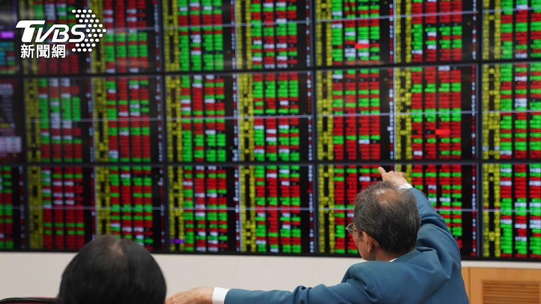 (圖/中央社) 台股收漲75點 本週漲近400點週線終結連2黑