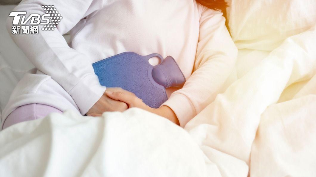 子宮若出現問題,女性皮膚容易發生膚色暗沉、鬆弛等情況。(示意圖/shutterstock達志影像) 阿Sa日飲1杯三棗水改善經痛 專家:還可養顏美容