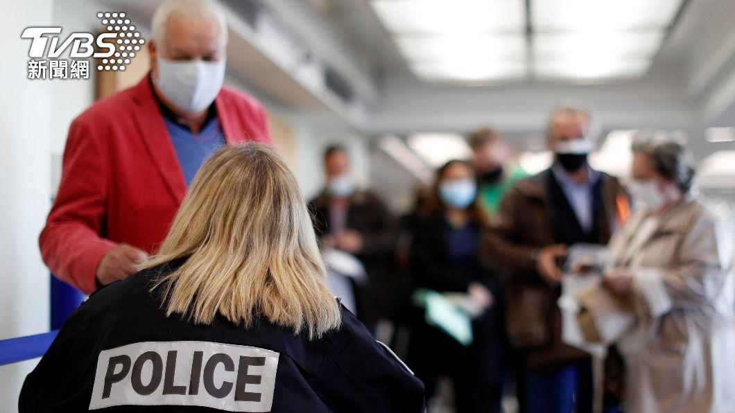 英國航空新任執行長表示,接種者不受限旅遊,未接種者持陰性證明才可搭機。(示意圖/shutterstock達志影像) 英計劃重啟飛航 英航籲讓已接種者不受限旅行