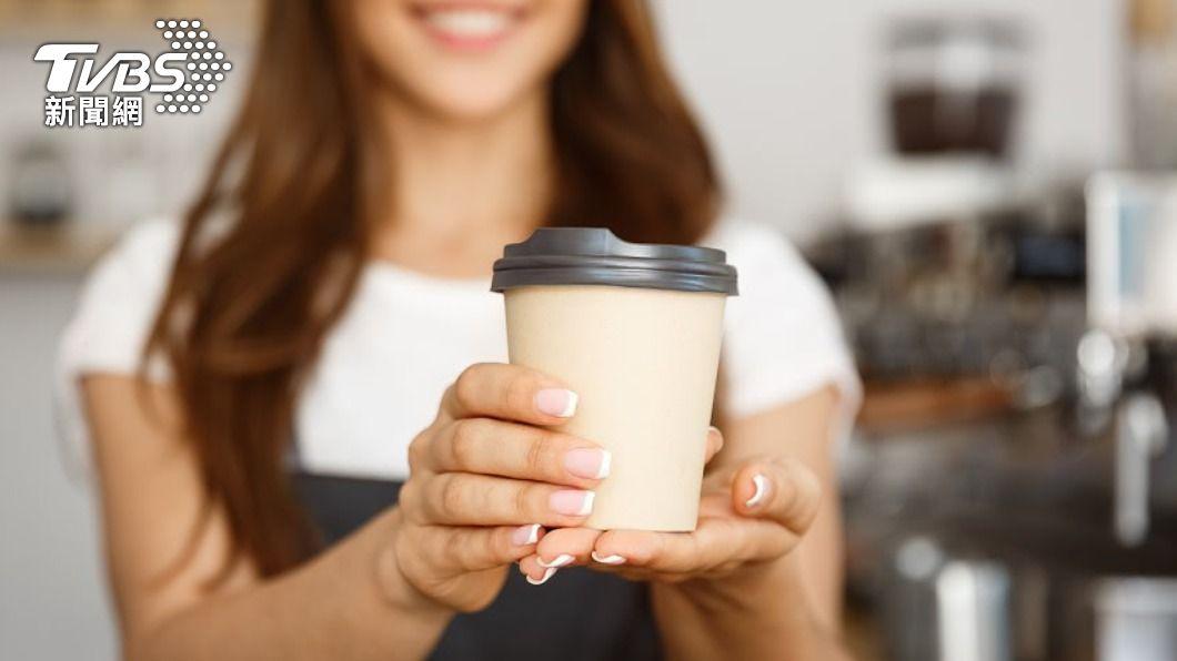 連鎖業者推出超狂3月優惠。(示意圖/shutterstock達志影像) 3月超狂優惠! 連鎖咖啡買1送1、爽喝免費星巴克