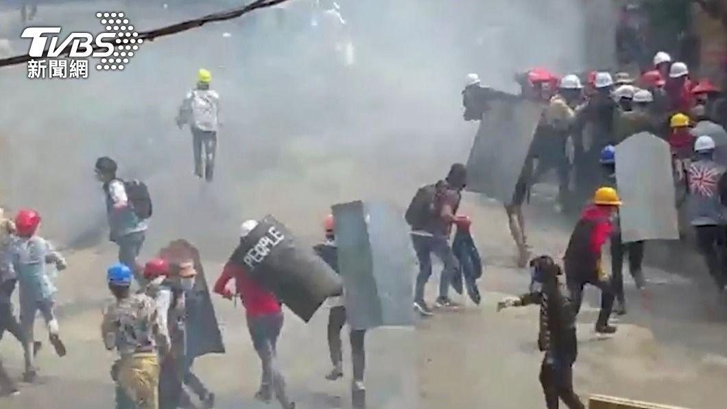圖/達志影像路透社 活躍人士:緬甸抗議民眾遭軍隊射殺已183人